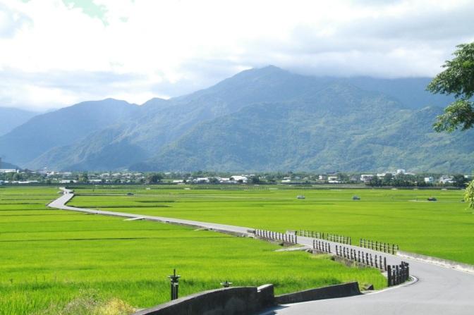 台灣十景/一條沒有電線桿的天堂路